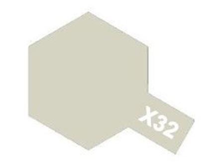 Immagine di Tamiya - Vernice acrilica lucida X32 Titanium Silver 10 ml 81532