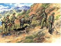 Immagine di ICM - 1:35 - Soviet Sappers (1979-1988) (4 figures - 3 soldiers, 1 sapper, donkey figure, dog figure) 35031