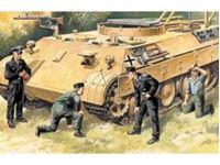 Immagine di ICM - 1:35 - German Tank Crew (1943-1945) (4 figures - 1 officer, 1 unterofficer, 2 soldiers) 35211