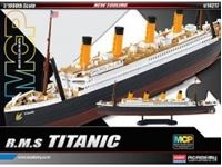 Immagine di 1/700 R.M.S. TITANIC + Led Set Multi Color Parts