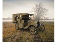 Immagine di 1:35 Model T 1917 Ambulance, WWI American Car (100% new molds)