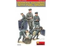 Immagine di 1/35 German Soldiers w/ Fuel Drums. Special Edition