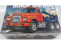 Immagine di Special Hobby mpc1/25 Mack DM600 Tractor cab