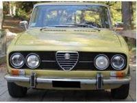 Immagine di Mitica die cast model  1:18 ALFA ROMEO 2000 BERLINA 1971 GIALLO PIPER 116